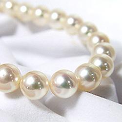 南洋真珠のネックレスが卸価格なので安い
